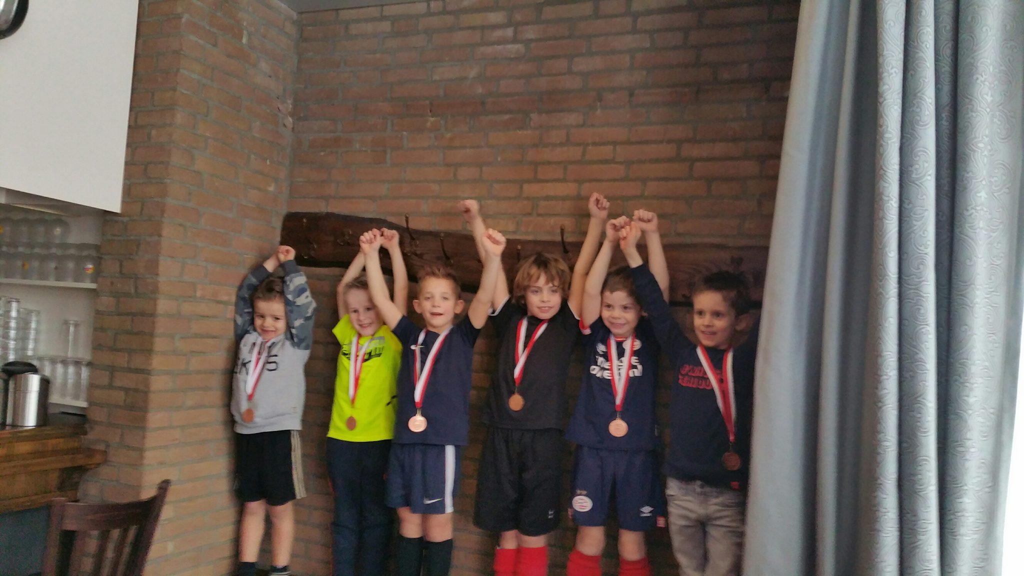 Geslaagde zaalvoetbalwedstrijden jeugd
