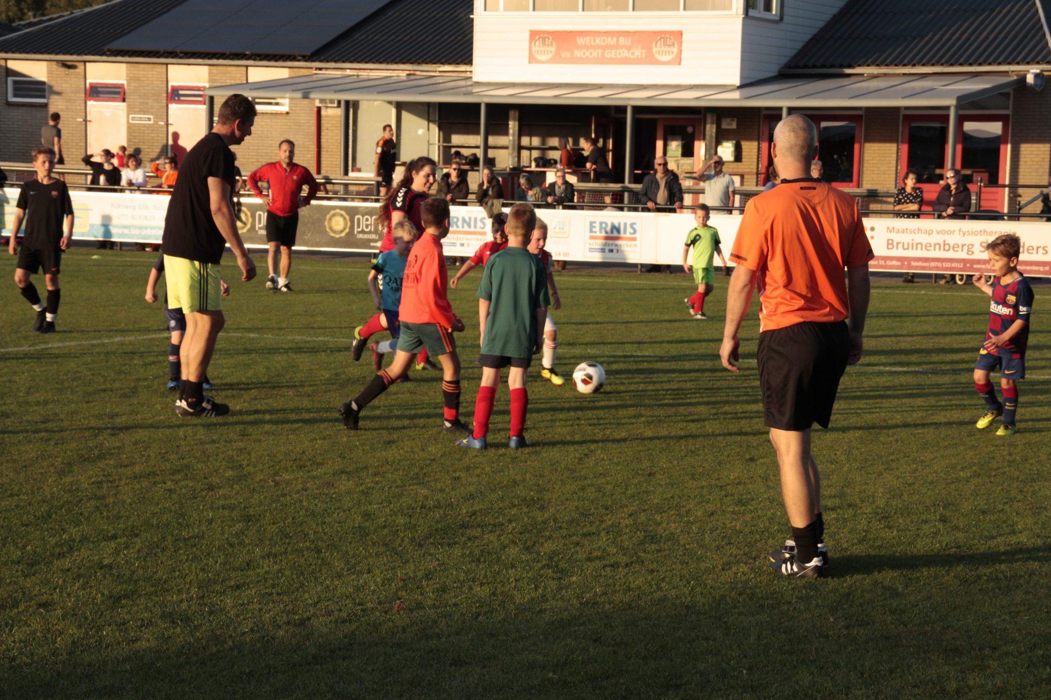 Meld je aan voor ouder/kind voetbal!