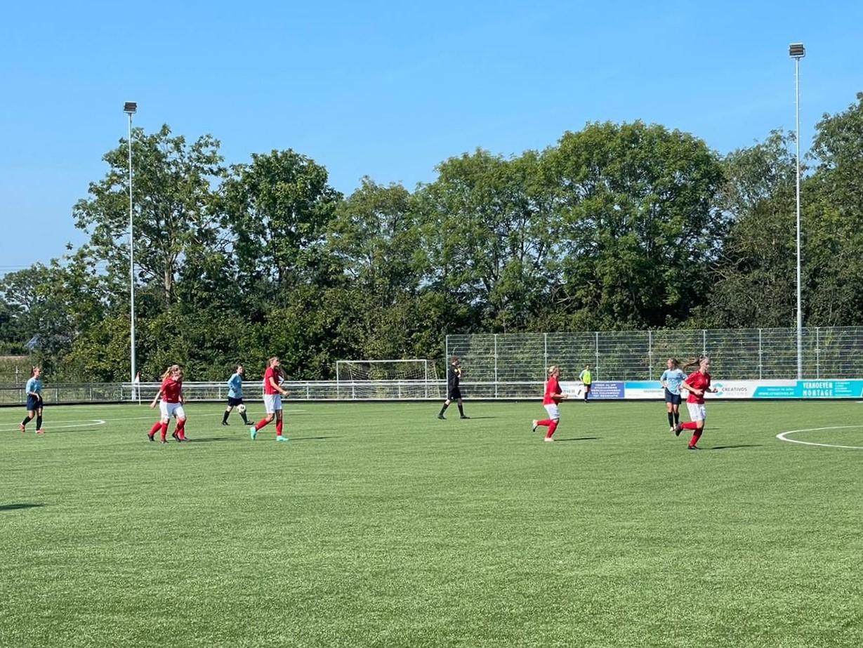 Ook de vrouwen winnen eerste bekerwedstrijd tegen FC Kunde