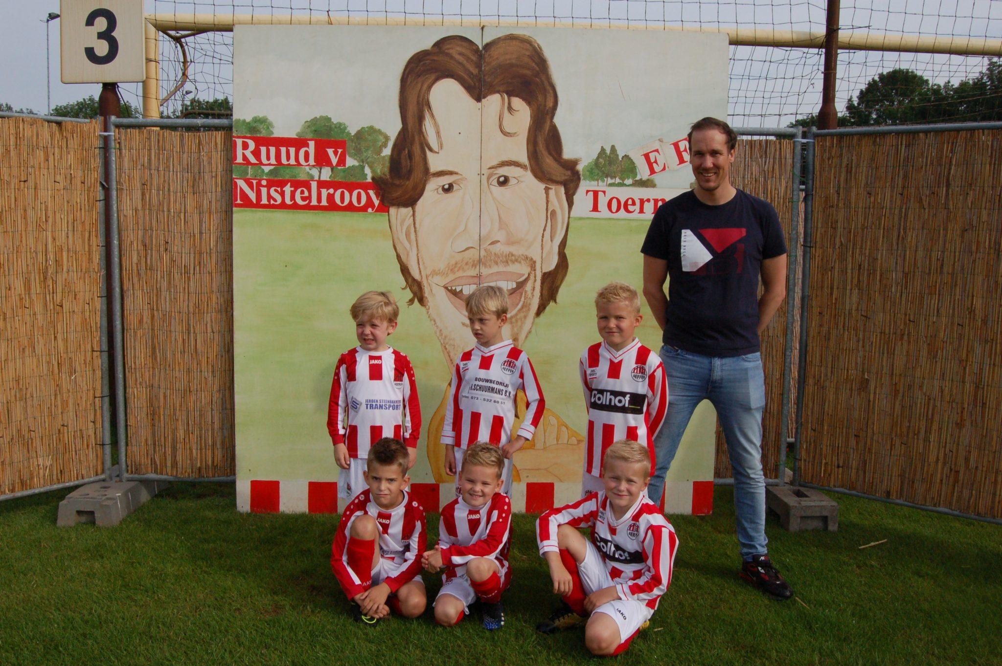 Fotoverslag Ruud van Nistelrooy pupillentoernooi